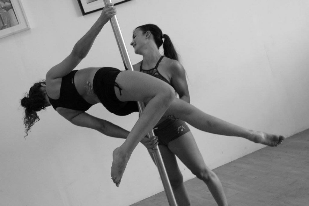 Stage pole dance découverte débutant